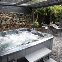 Cottage With Hot Tub in Lake District