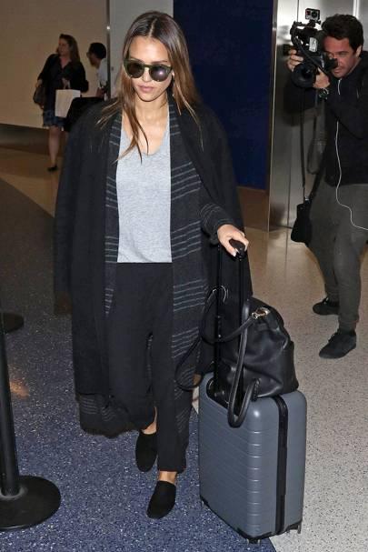 ãaway luggage celebãã®ç»åæ¤ç´¢çµæ