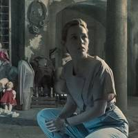 The Haunting Of Bly Manor On Netflix Plot Release Date Glamour Uk